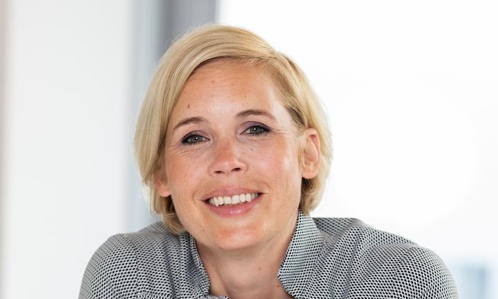 Portrait photo of Anna Engers